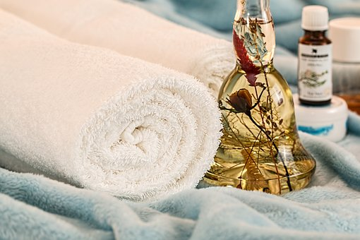 How massage relaxes your body?